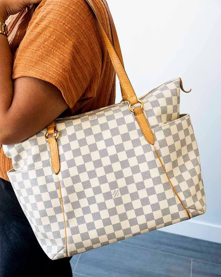 designer handbag_How to sell on consignment
